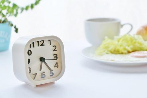 食事と時計