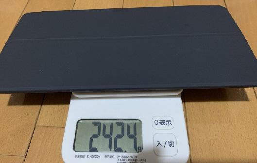 純正品の重さ242.4g